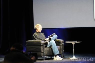 Steve Jobs handling the Apple iPad